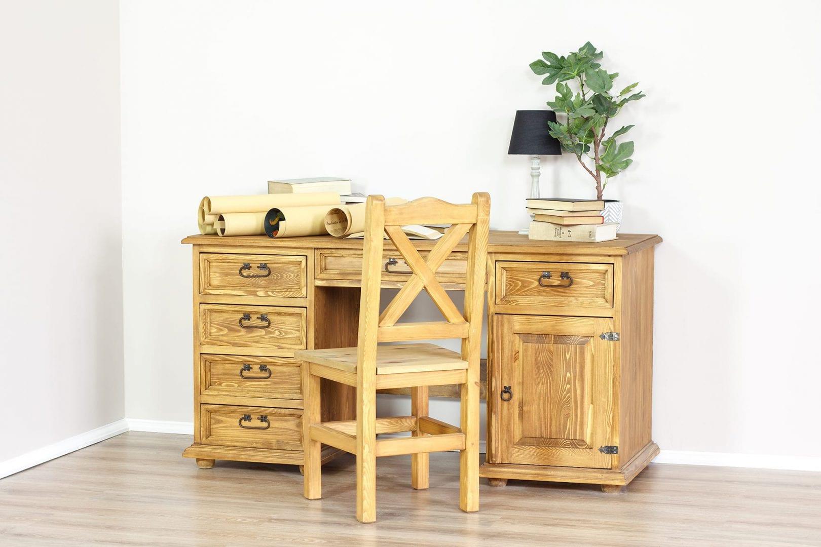 woskowane biurka z drewna sosnowego