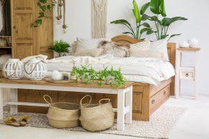 drewniana ławka woskowana