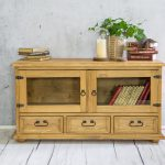drewniana szafka sosnowa woskowana wolnostojaca