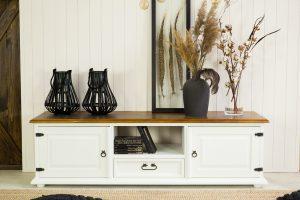 szafka rtv drewniana w stylu rystykalnym