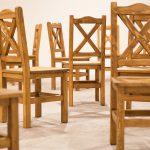 drewniane krzesla do rtestauracji