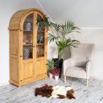 Meble woskowane z drewna sosnowego do pokoju