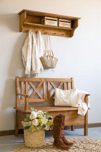 dewniana ławka rustykalna