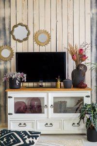 rustykalna szafka pod telewizor