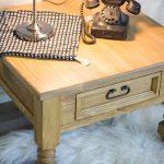 stolik nocny z drewna sosnowego