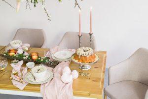 stół do jadalni z drewna