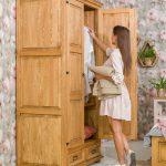 meble z drewna sosnowego do sypialni