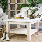drewniany stolik woskowany