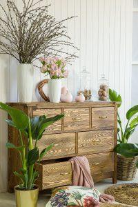 drewniana komoda do salonu
