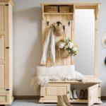 drwniana-garderoba-z-lustrem-do-przedpokoju