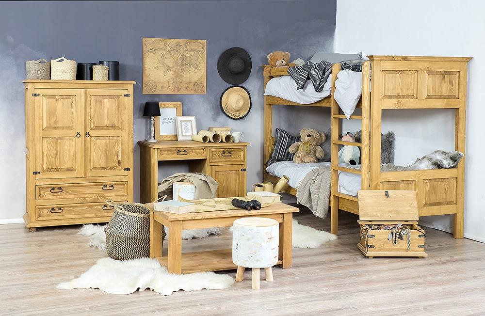 drewniane meble sosnowe do pokoju