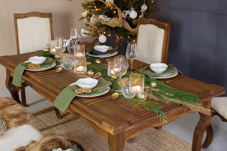 drewniany stół strukturyzowany