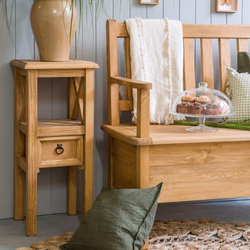 drewniany stolik kwietnik retro