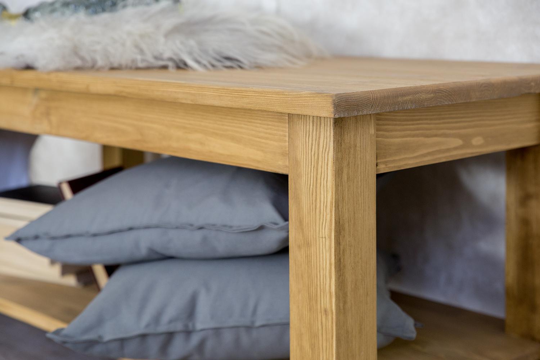 drewniany stolik kawowy do pokoju