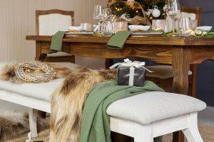 drewniana ławka tapicerowana rustykalna
