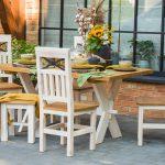 masywne krzesla z litego drewna