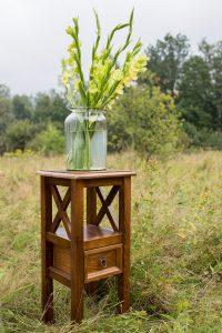 drewniany kwietnik na kwiaty