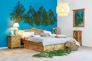łózko sosnowe do sypialni w stylu rustykalnym
