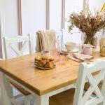 drewniany stol kuchenny z krzeslami