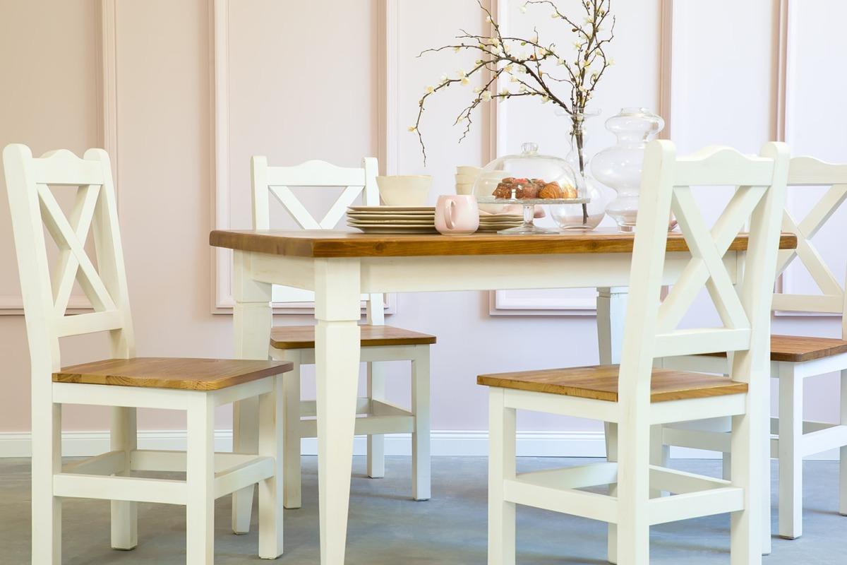 stół z krzesłami w stylu prowansalskim