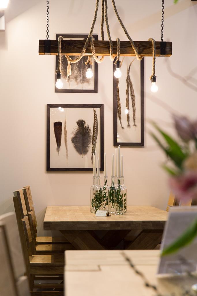 lampa sznur na belce do salonu