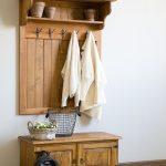 drewniany wieszak panel boazeria do przedpokoju