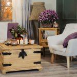 kufer stolik drewniany z metalowymi elementami