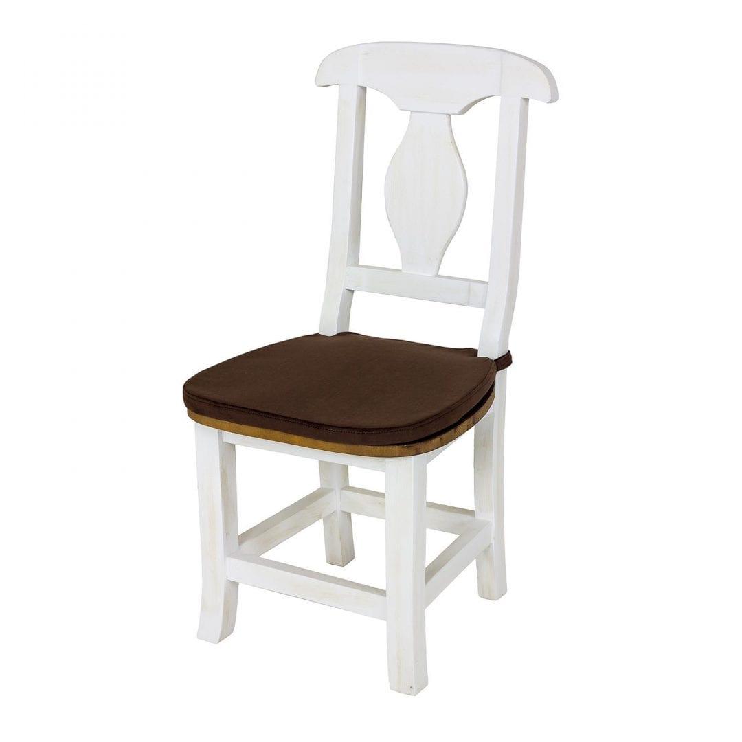 drewniane krzesło z drewna litego