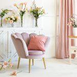 różowy-fotel-muszla-tapicerowany