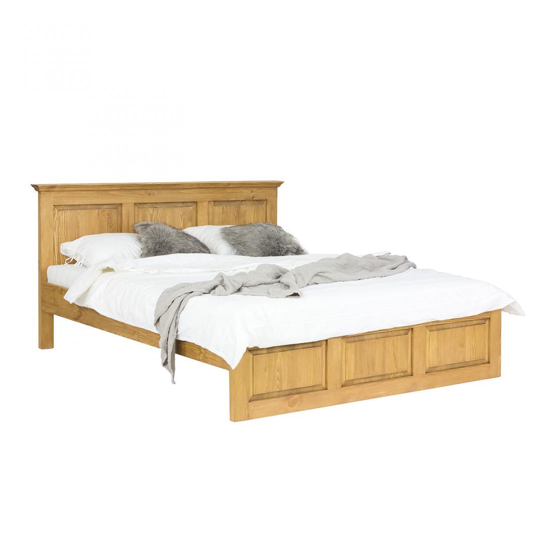 duże drewniane łóżko z drewna sosnowego