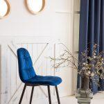 tapicerowane krzesło granatowe