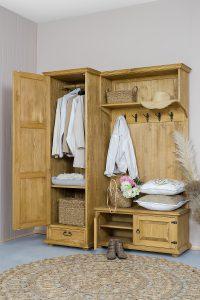 garderoba woskowana z drewna