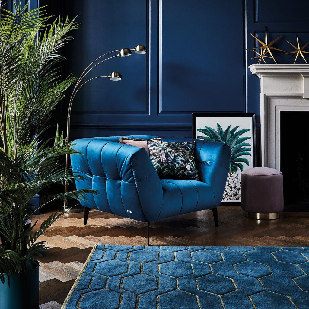 niebieski-fotel-pantone