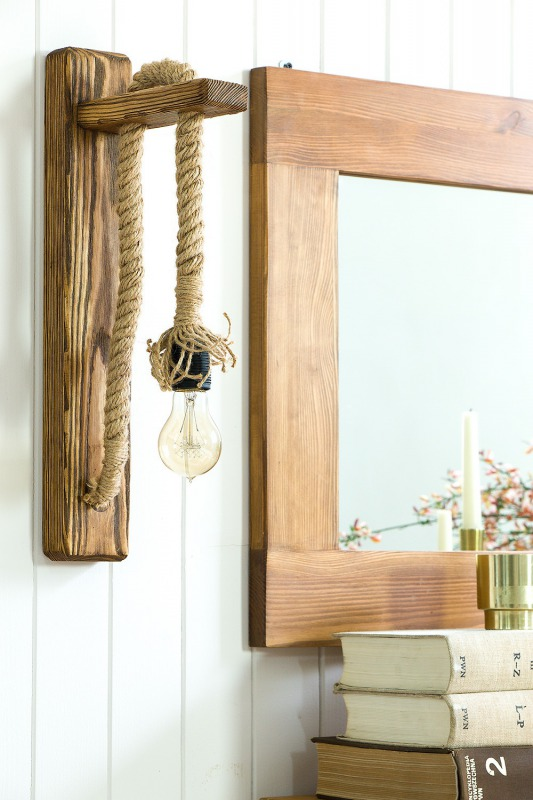 Rustykalna drewniana sznurowa kinkiet