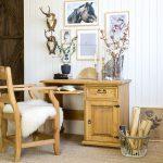 drewniane biurko do gabinetu