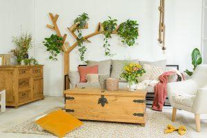 drewniane woskowane meble do salonu w stylurustykalnym