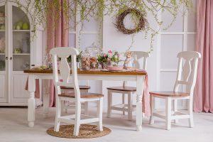drewniany stoł do jadalni
