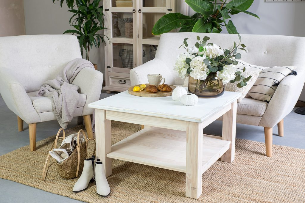 rustykalny stolik kawowy z drewna