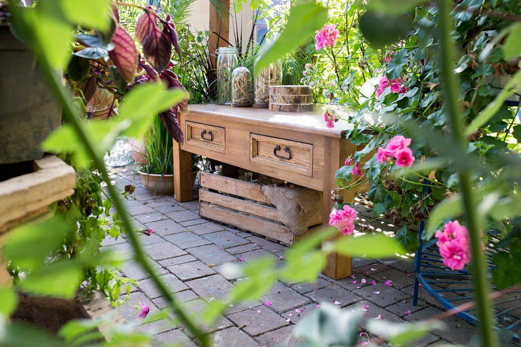 drewniany stolik rustykalny