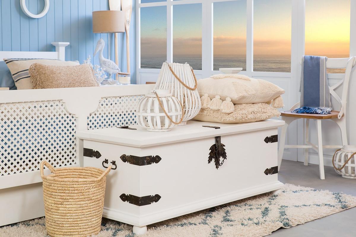 rustykalna skrzynia do sypialni