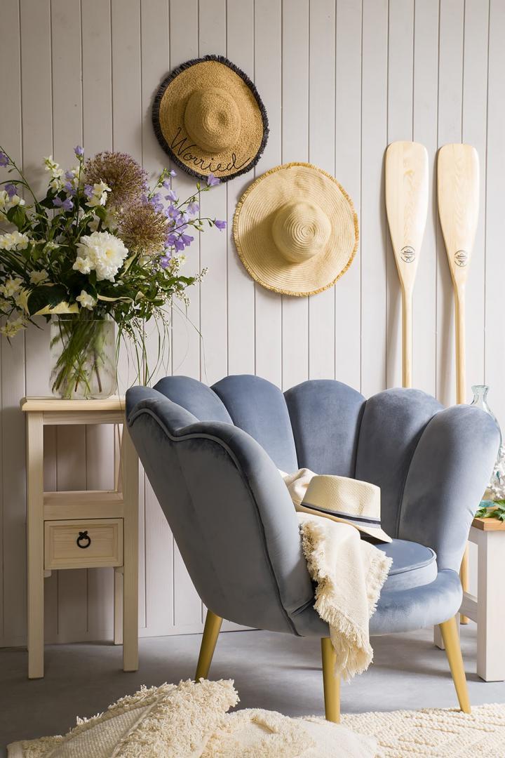 fotel tapicerowany muszelka