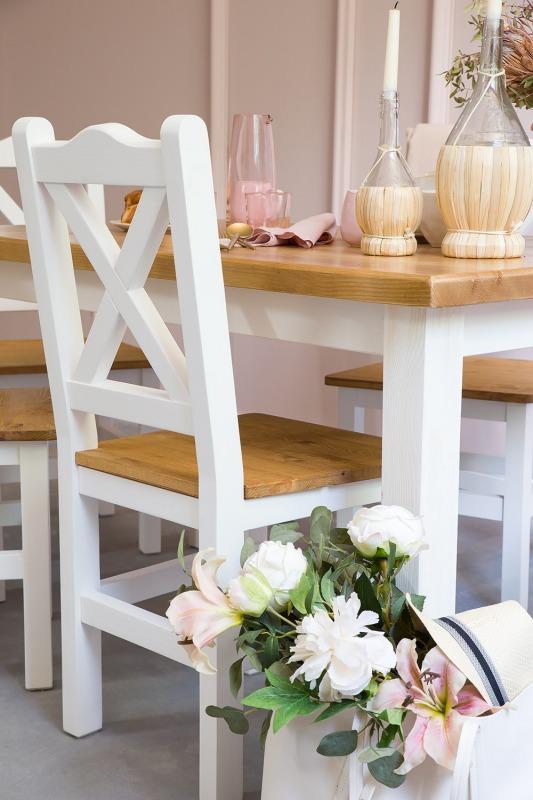 drewniane krzesło do jadalni
