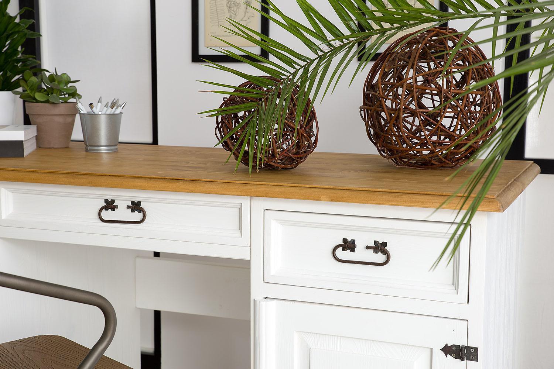 drewniane biurka do gabinetu