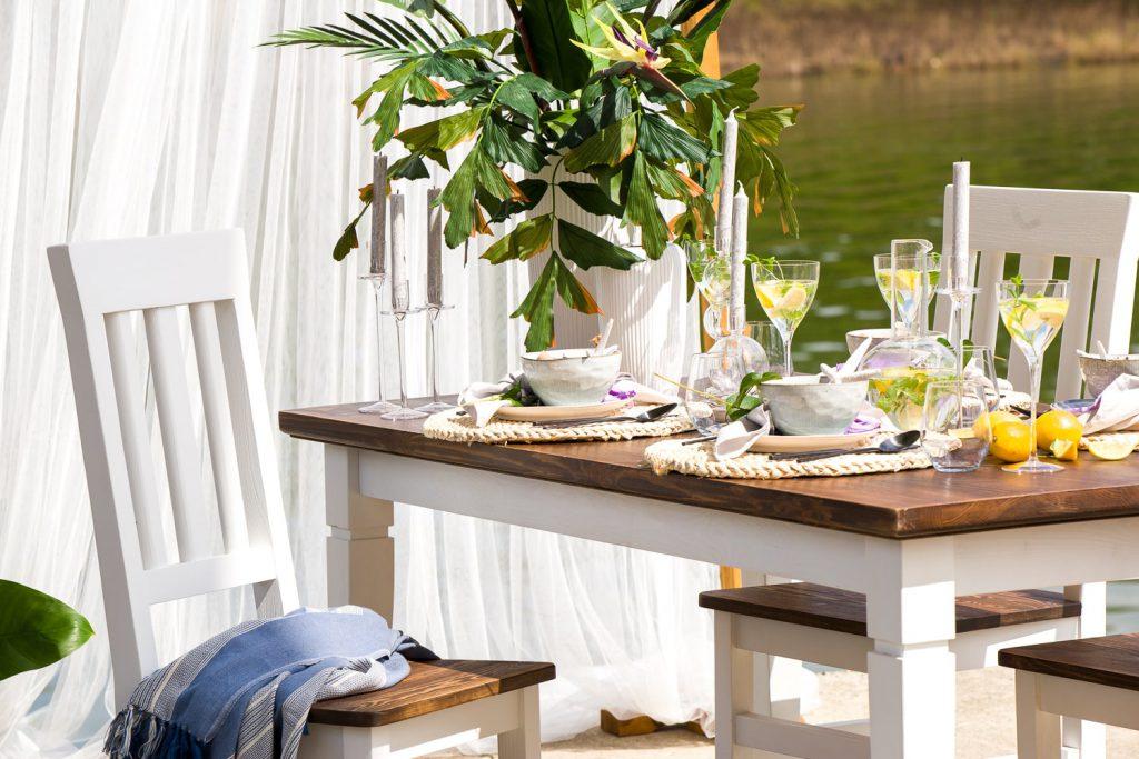rustykalny stół z drewna sosnowegoo