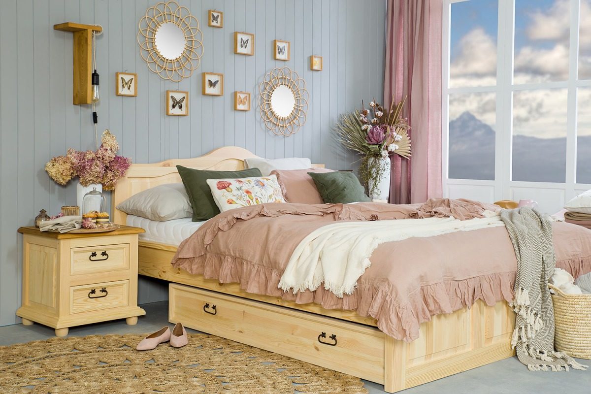 łóżko drewniane sosnowe