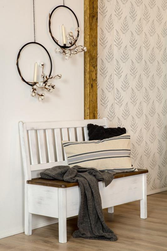 biała ławka woskowana