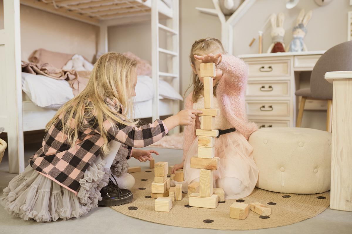drewniane meble dziecięce