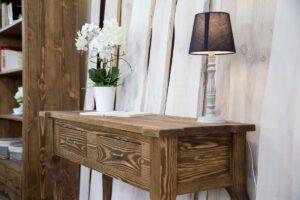 drewniany stolik przyścienny konsola