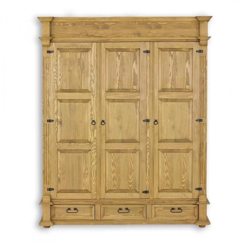 Drewniana szafa trzydrzwiowa