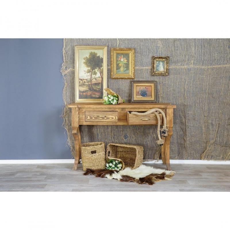 Drewniany stolik przyścienny